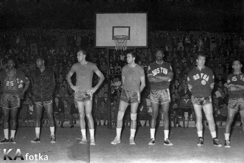 1964-all-stars-oscarroberstson-bob-pettit-bill-russell-bob-cousy