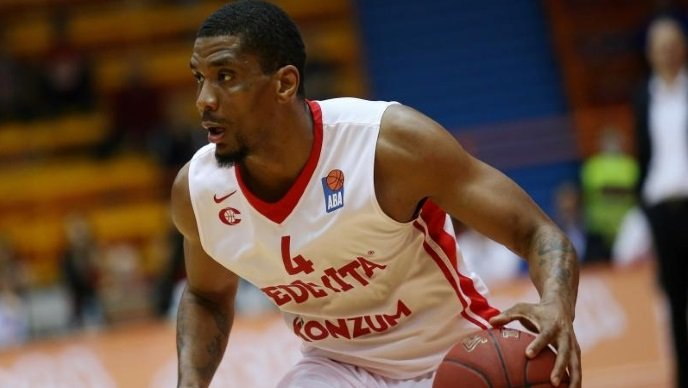 james_white-cedevita-basketball-crosarka