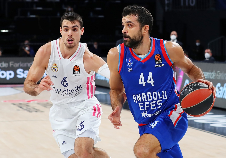 krunoslav-simon-anadolu-efes-istanbul-real-madrid-euroleague-basketball-košarka