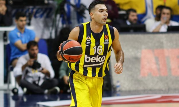 sloukas-fener-olympiacos-trade-basketball-wanted-by-olympiacos